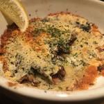 阿古 - オイルサーディンのチーズパン粉焼き