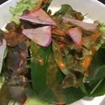 レストラン エイタブリッシュ - サラダ、ドレッシング美味