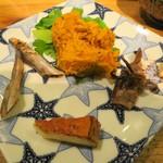 国産チーズ酒場 Ace - 蔵楽のお味噌とお野菜国産チーズにて  六甲山牧場のカマンベールくんせいにしてみました  ベイカ(ミミイカ)とキスのちょい炙り