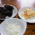 そば処鶴子 - 副菜の漬物