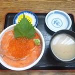 のんのん - 料理写真:鮭親子丼 2017.10月