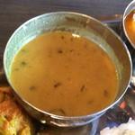 ネパール民族料理 アーガン - お代わりOKのダル