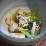 魚料理 ぎん - 小松菜、厚揚げなど