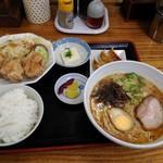 味千ラーメン - 唐揚げ定食700円