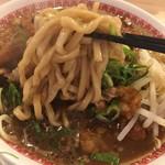 肉汁麺ススム - 麺のリフト
