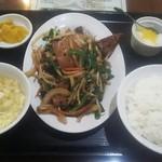 中華料理 祥宇 - ニラレバー定食 650円