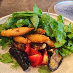organ - 千葉産 カマスのフリットと茄子、トマト、葉野菜のサラダ