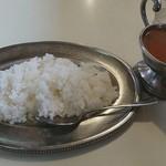 華園 - 料理写真:本場インドカリー