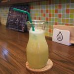 HAPPY Juice MAKER(フルーツショップカミヤ店内) - 梨 (あきづき)