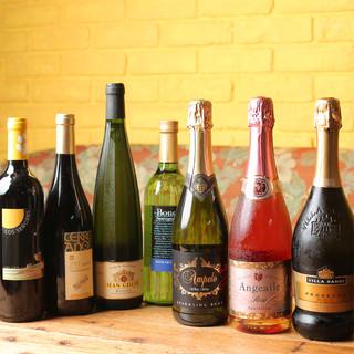 ワインの種類豊富♪11時~18時はハッピーアワーで半額に!