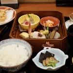 はし本 - 旬菜弁当  1000円