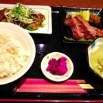 牛タン圭助 - 牛タンとタン唐揚げ定食