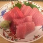 末廣鮨 - ミナミマグロ三点盛り:背トロ、中トロ、カマスジ