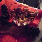 Kaion701 - おつまみにドライフルーツとナッツをいただきました☆