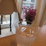 フラワー ナチュラル フード カフェ - 水素水