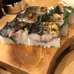 漁火 - 料理写真:焼きさば寿司 850円