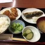 かめや - サバ焼き とり唐揚げ定食(880円)