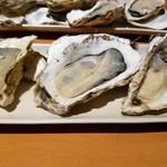 ダイニング ハルコマ - 生牡蠣3点盛り合わせ