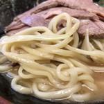光家 - ネギチャーシューメン 並 麺アップ