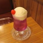 喫茶 宝石箱 - クリームソーダ アメジスト(巨峰味)1