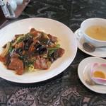 chuugokuryourisanguu - 「牛肉炒麺(牛肉入りあんかけ焼きそば)」(¥1,240)