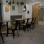 75139378 - 夜カフェならではの落ち着いた雰囲気の店3