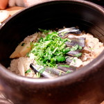 夜ノ焼魚 ちょーちょむすび - 秋刀魚と舞茸の土鍋御飯