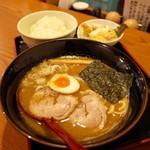 ようら 本店 - 濃コク鶏煮干 ようらセット…950円