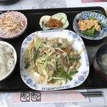 香港一 - 料理写真:本日の日替り 野菜炒め定食=680円