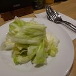 名古屋食堂 コーリーズ - セットのキャベツの浅漬け