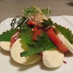 新横浜 grill&wine NYグリル - トマトとチーズの和風カプレーゼ