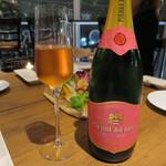 75155125 - ピノ・ノワール100%、南アフリカのスパークリングワイン