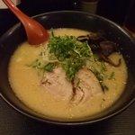 麺屋 柊助 - 豚骨らーめん550円
