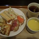 サンドッグイン神戸屋 - ランチビュッフェ