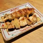 地鶏料理 味千両 - 2串セット(280円)