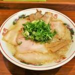麺屋 航 - 料理写真:コク旨醤油そば(チャーシュー増)1000円