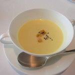 タテル ヨシノ ビズ  - トウモロコシのスープ
