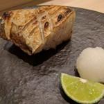 鮨みやもと - ブリのカマ塩焼き(1番美味しい所を頂きました)