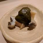 鮨みやもと -  アワビの柔らか煮(肝ソース)