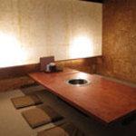 京の焼肉処 弘 - 本店2階の個室はご家族連れの方にも広々ご利用いただけます