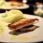 75173979 - 本日の鮮魚(ヒラメ)レモンバターソース、蓮根の焼きニョッキ、キャベツ