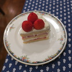 75174880 - 苺のショートケーキのブラン1
