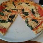 75177079 - 一切れ食べたピッツァ