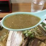 長尾中華そば - こく煮干しのスープ