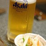 とんぼ亭 - 料理写真:生ビールとお通し