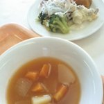 菜食レストラン シャローム - サラダと野菜スープ