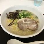 山嵐 - 札幌背脂豚骨白スープ850円