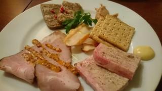 ブッチャーズ+バル 練馬 - お肉の前菜五種盛り
