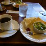 カフェ&パスタ パパス - 料理写真:コーヒーとモーニングサービス