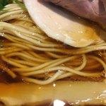 中華そば 四つ葉 - 村上朝日製麺の麺